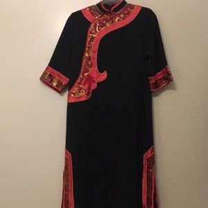 Traditional Chinese dress with zipper in the back